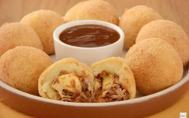 Receitas de bolinho de batata para aperitivos saborosos