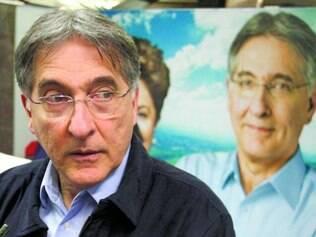 Pimentel diz que o PSDB está 12 anos atrasado em sua proposta