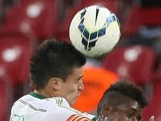 Com o revés, Palmeiras está segurando a lanterna do Brasileirão