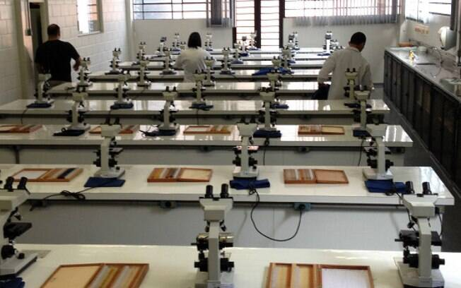 Laboratório de faculdade que oferece Pronatec: desafio é conseguir reter os alunos