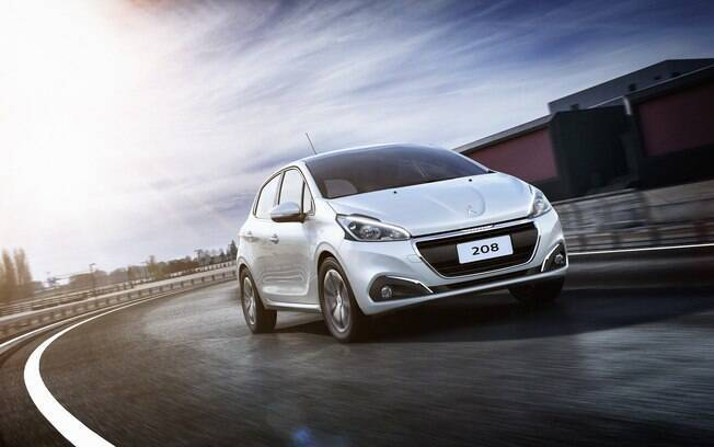 Peugeot 208 passa a estar disponível com câmbio automático Aisin, de seis marchas,  no lugar do anterior, de apenas quatro