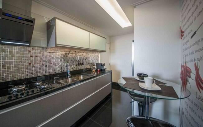 Cozinha corredor tem solução  Arquitetura  iG -> Decoracao De Banheiro Com Listelo