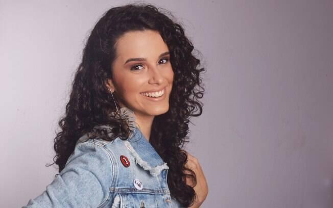 A atriz Aimée Espinosa é Gláucia em
