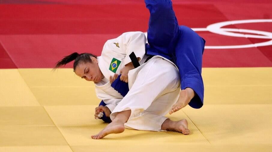 Maria Portela foi eliminada em uma luta polêmica