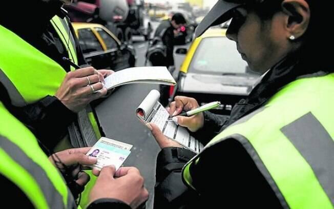 Algumas das multas absurdas foram trocadas entre Guarda Civil Metropolitana, Policia Militar e CET