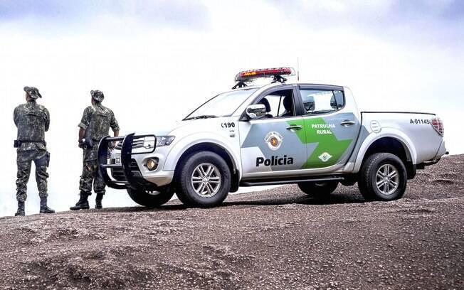 Viatura da Policia Militar Ambiental em patrulhamento rural