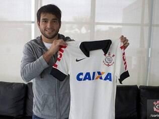 Lodeiro já treinou, mas ainda não poderá fazer sua estreia pelo Corinthians