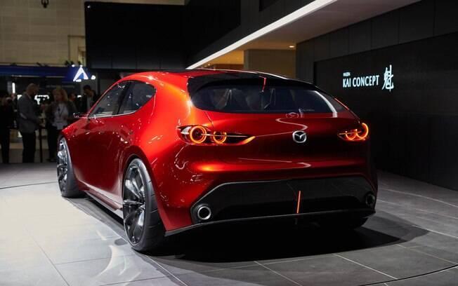 Linhas arrojadas do modelo conceitual deverão servir de base para a nova geração do Mazda 3
