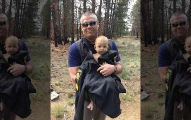 Menino de apenas um ano foi abandonado por pai em floresta; polícia acredita que o responsável estava drogado