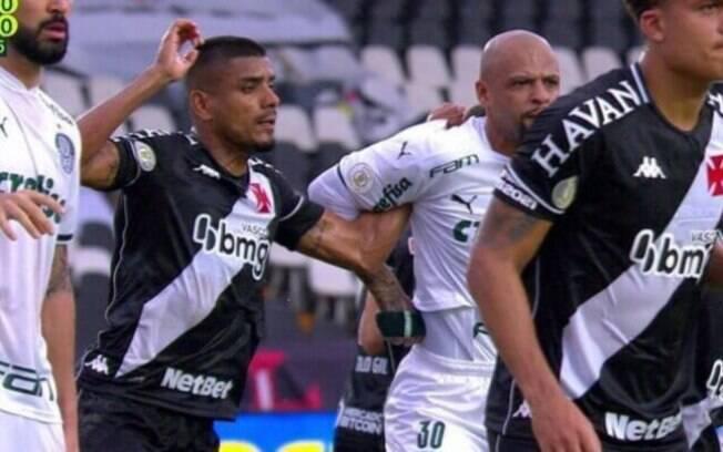 Mesmo fora de combate, Felipe Melo, do Palmeiras, pode ser suspenso pelo STJD
