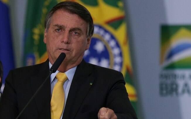 Bolsonaro fala em traição e diz que não vai comprar vacina chinesa