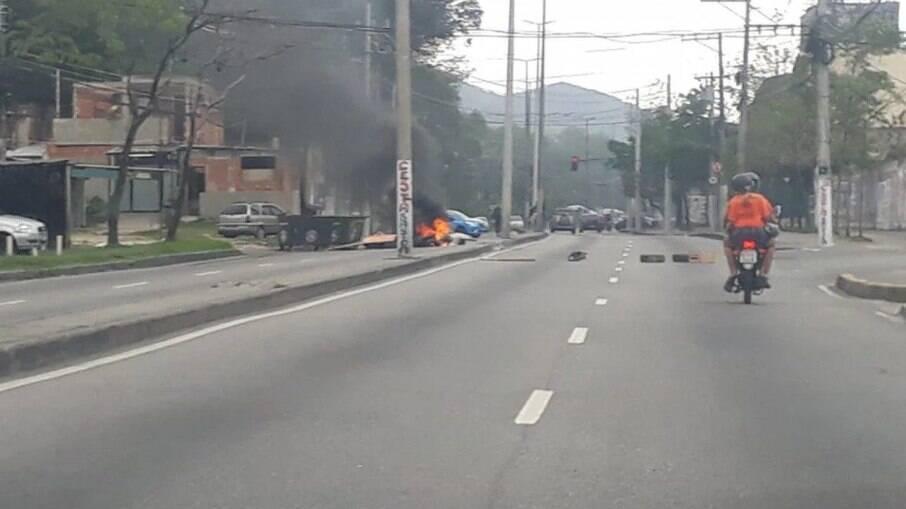 Via fechada no Rio de Janeiro