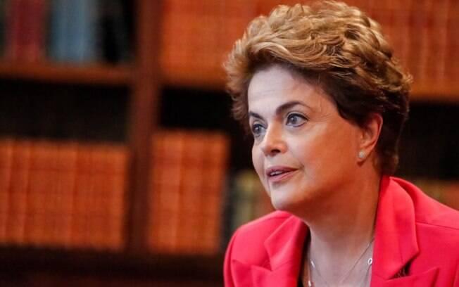Em entrevista, Dilma Rouseff reconheceu que número de partidos dificulta governabilidade