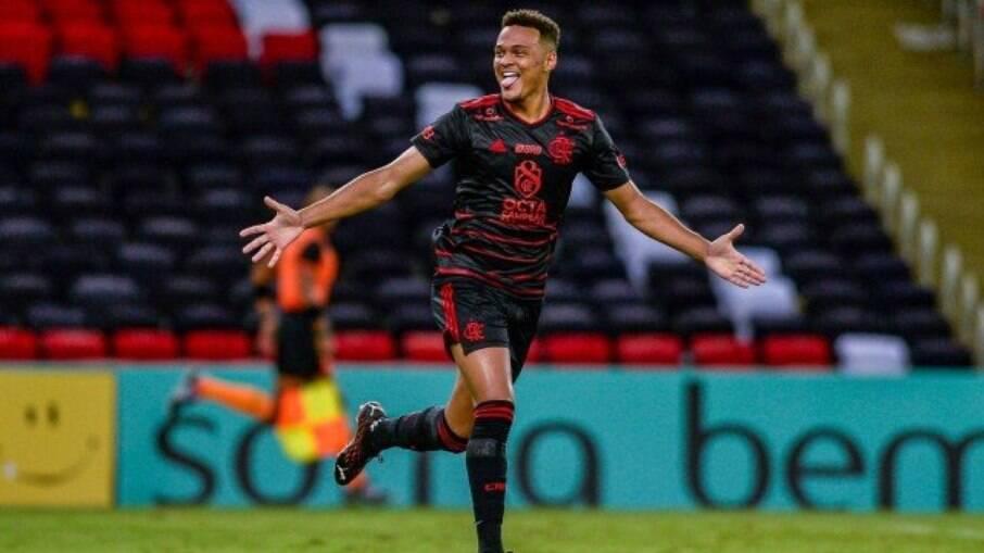Rodrigo Muniz marcou os gols do Flamengo