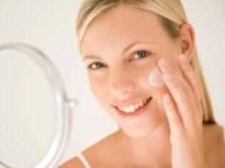 O primer auxilia na fixação da maquiagem