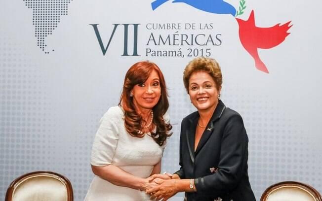 Dilma Rousseff em encontro com a presidente da Argentina, Cristina Kirchner