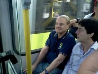 O prefeito de Belo Horizonte teve um dia de cidadão belo-horizontino e andou de ônibus lotado para testar o Move