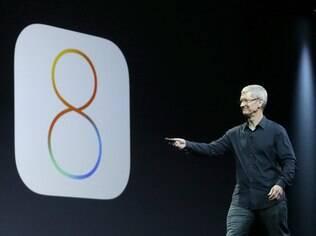 CEO da Apple, Tim Cook apresentou novo iOS 8 em evento em junho