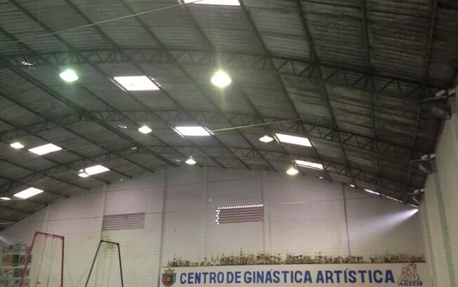 Telhas de amianto tornam o ginásio abafado em  São Caetano do Sul