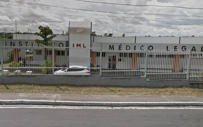 fachada de prédio com o nome instituto médico legal escrito