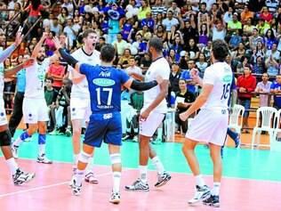 Sada Cruzeiro.    Equipe azul celeste volta a jogar no Riachão após vencer duas partidas fora de casa