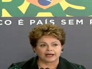 Dilma se emocionou durante a entrega do relatório final da Comissão da Verdade