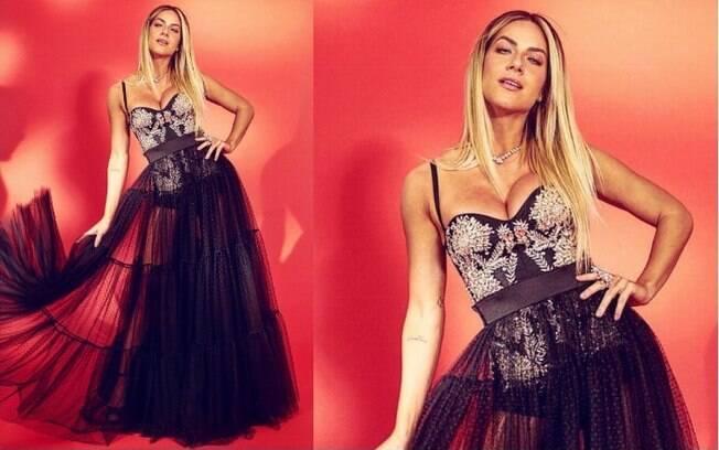 Giovanna Ewbank compareceu ao evento com um vestido que chamou atenção entre os looks das famosas pela saia