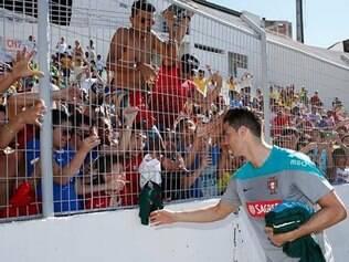 Na primeira atividade aberta ao público, o astro Cristiano Ronaldo foi bastante ovacionado pela torcida