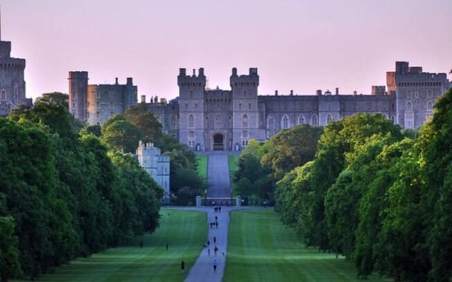 Dos mais emblemáticos castelos na Europa, o castelo de Windsor é o favorito de Elizabeth II, rainha da Inglaterra