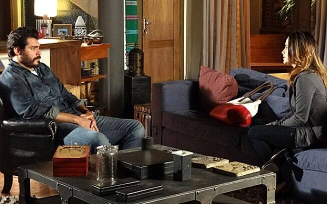 Ana conta a conversa que teve com Manu e diz para Lúcio que precisa se afastar