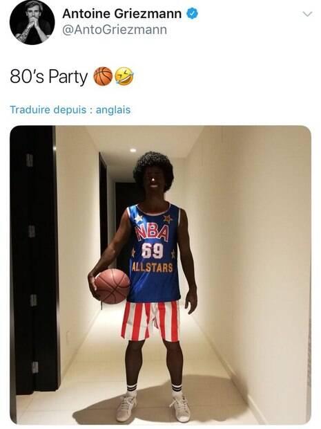 Griezmann postou uma foto vestido de Harlem Globetrotters e causou certo desconforto nas redes sociais