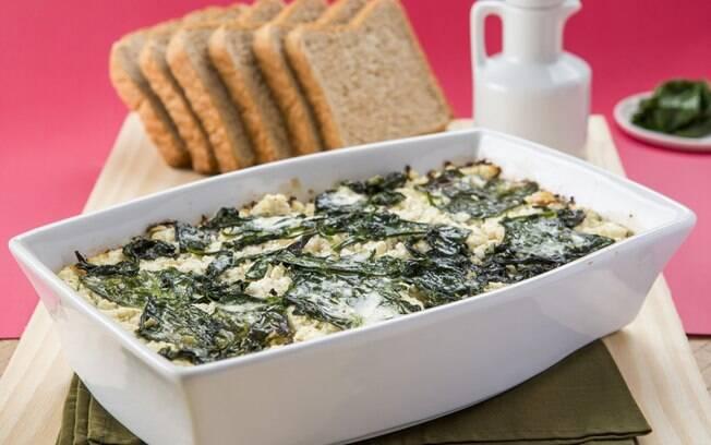 Lasanha fica mais leve ao usar pão integral no lugar da massa tradicional