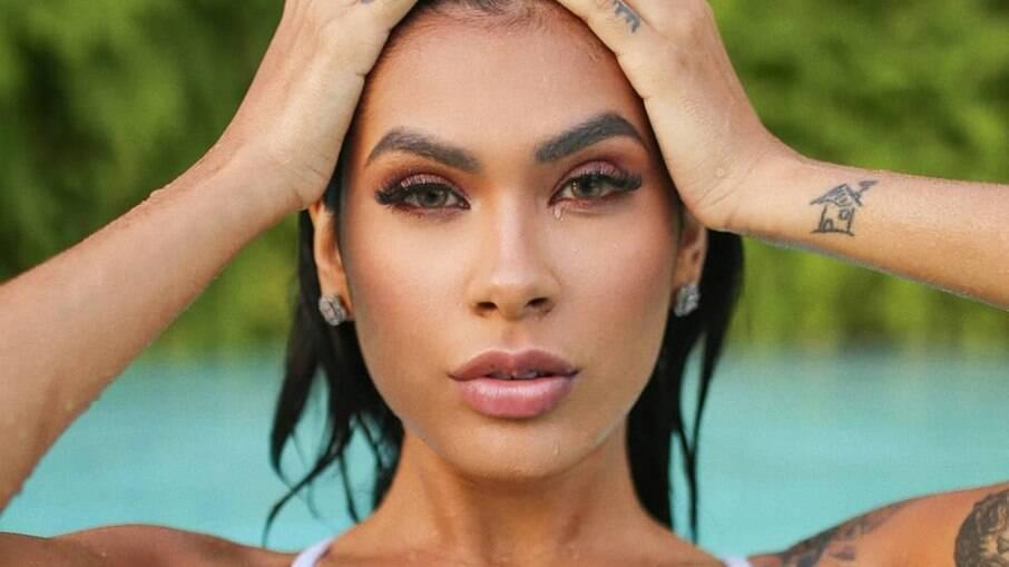 Atualmente confinada no BBB21, a cantora Pocah é uma das famosas adeptas do preenchimento labial