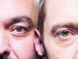 """Encontro. Hugh Jackman (dir.) e Jez Butterwortho, autor da peça """"The River"""", em ensaios em Nova York"""