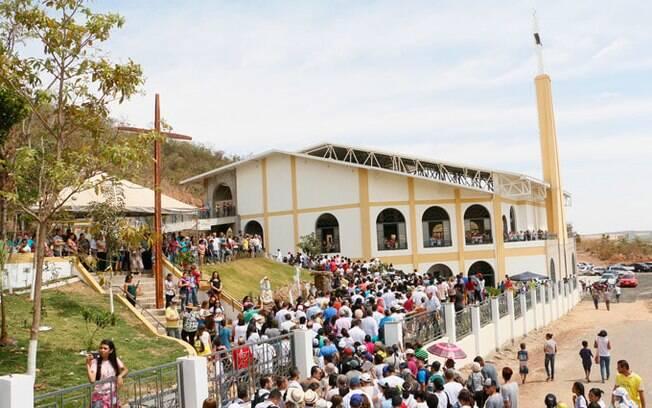 O santuário é o destino de diversos fiéis e devotos de Nossa Senhora do Salete.