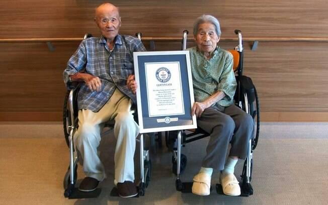O casal de idosos foi considerado pelo Guinness World Records como as pessoas que estão há mais tempo juntas
