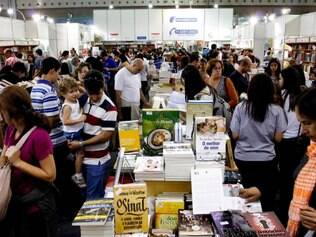 BELO HORIZONTE / MINAS GERAIS / BRASIL (20/05/2012) Bienal do Livro de Minas.  © Washington Alves / Light Press