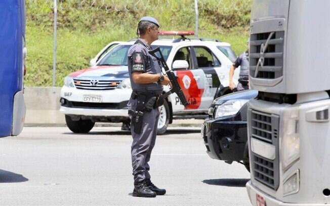 Para Felippe Angeli, do Instituto Sou da Paz, a liberação do porte de arma pode por em risco o trabalho dos policiais