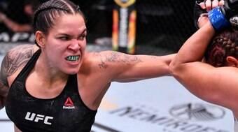 Amanda Nunes testa positivo para a Covid-19 e é retirada do UFC 265