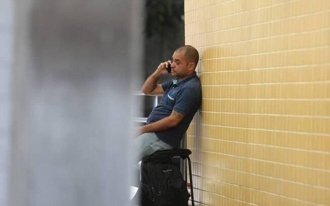 Adriano Bruno Peregrino da Silva, pai do menino Enzo, esteve no IML nesta quarta-feira