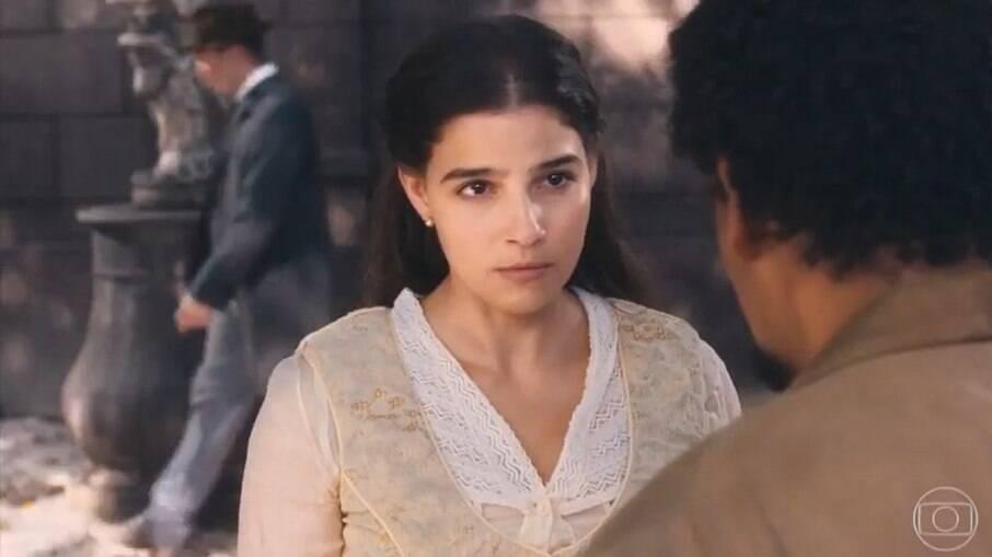 Pilar acredita na mentira inventada por Dolores, briga com Samuel e eles rompem o relacionamento