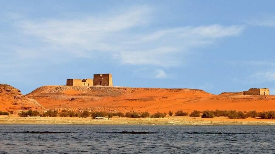 O Lago Nasser foi criado por meio de uma barragem no Rio Nilo em 1971