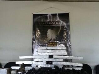 Polícia encontra 40 kg de maconha escondidos em casa na Vila Sumaré