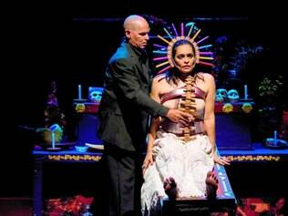 Morte. Cultura mexicana é fortemente marcada por aspectos mórbidos que são destacados pela dramaturgia do espetáculo acreano