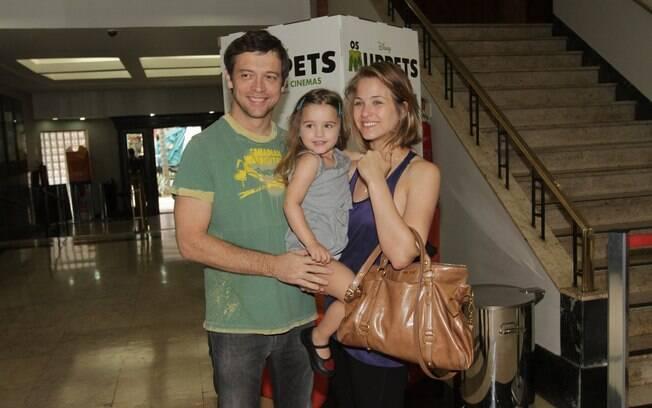 Luiza Valdetaro com o marido Alberto e a filha Maria Luiza, em novembro de 2011