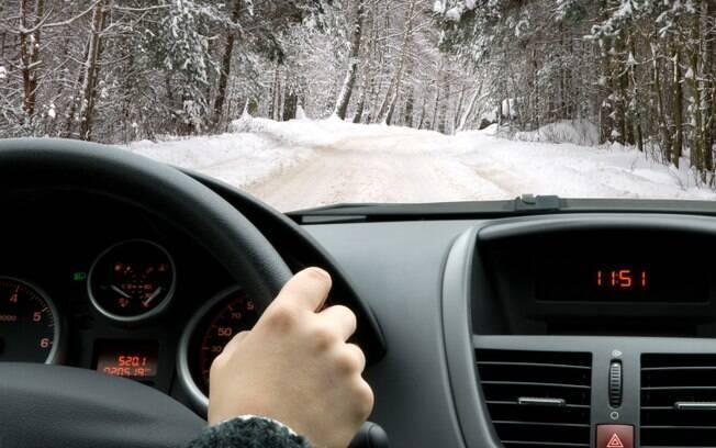 Principalmente em dias frios, vale a pena ir devagar até o motor atingir o nível de temperatura ideal