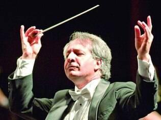 Maestro Fábio Mechetti participa da abertura oficial da conferência
