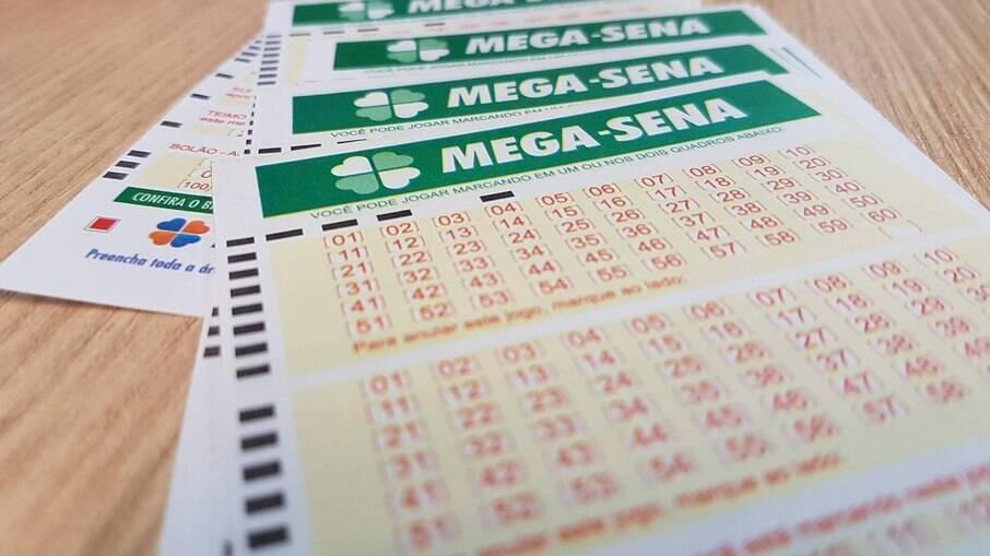 Para ganhar o prêmio principal da Mega-Sena, é preciso acertar os seis números sorteados no concurso