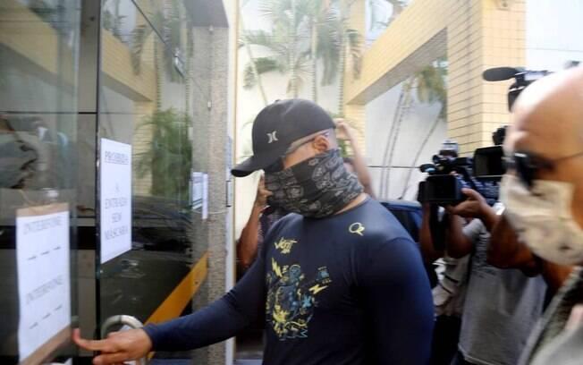 Os PMs foram identificados como Diego Alves da Silva, soldado do Batalhão de Choque, e Gabriel Guimarães Sá Izaú, agente do programa Segurança Presente