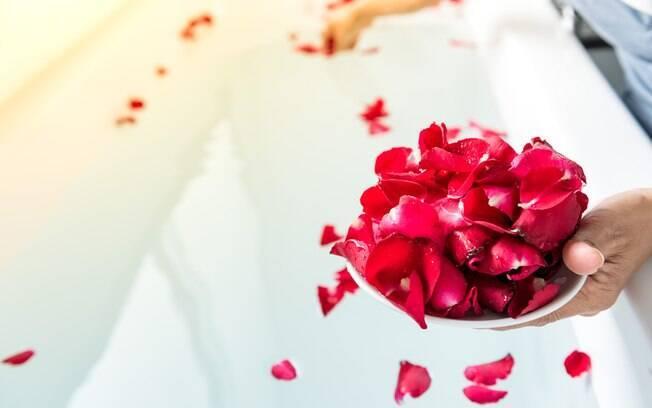 Quer romance no carnaval? Rituais com rosas prometem ajudar!